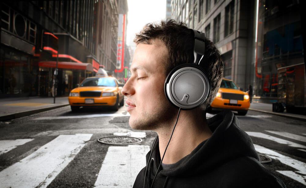 pedestrian-headphones-120117